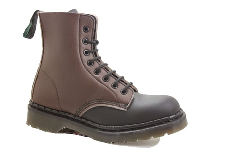 Boot 8 lace brown back + black front, vegan microfibre top, bouncing sole