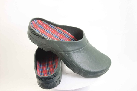 Washable gardening clogs made of tough plastic, with removable sports insoles