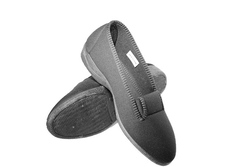 Womens vegan slipper on a solid rubber sole, 3cm heel, and stretch top made of foam & elastic