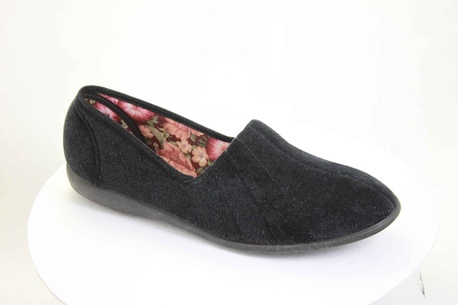 Audrey Black womens vegan slipper